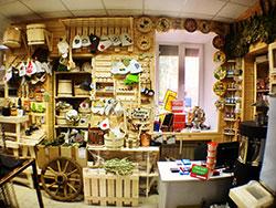 Интерьер магазина печей и каминов